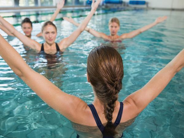 Sohealthy-healthy-tips-Back_pain_water_workout